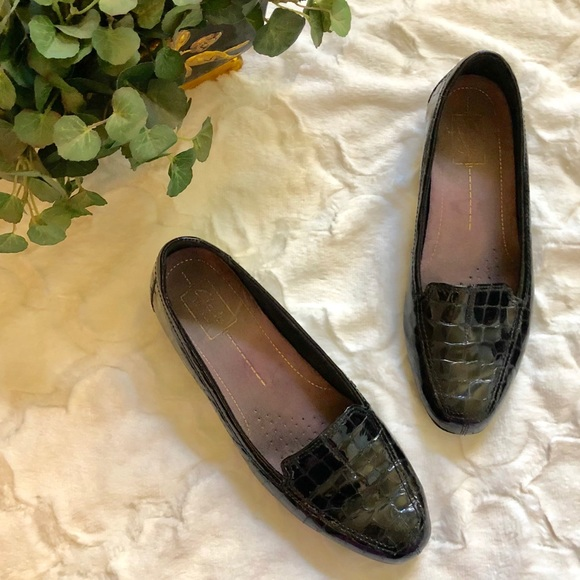 6deb211d1b4 Clarks Shoes - Black Patent Croc Leather Clark Keesha Luca Loafer